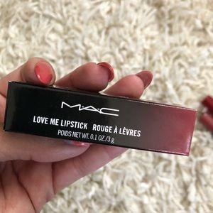 ❤️ Love Me Lipstick MAC
